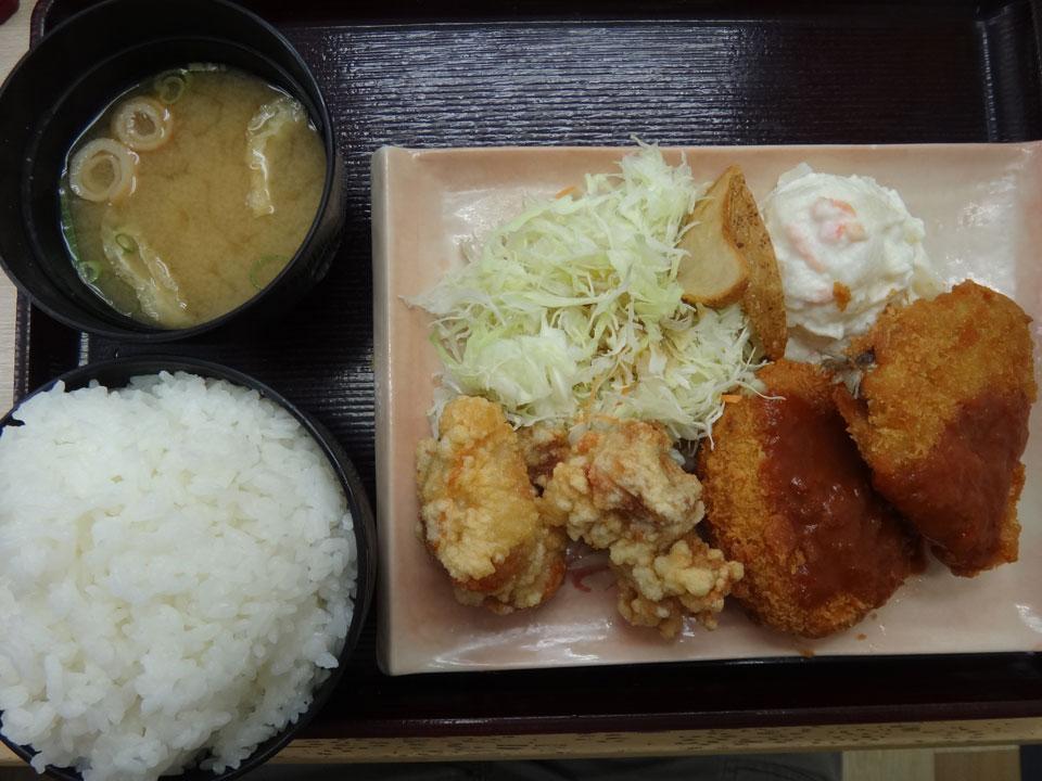 株式会社日食 今日のお昼ごはん 中国道 安富パーキングエリア 上り線 兵庫県姫路市 ドライバー定食