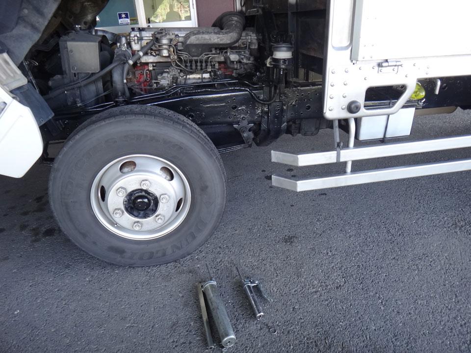 株式会社日食 日野自動車 レンジャー トラック 走行距離99.8万キロ グリス給脂