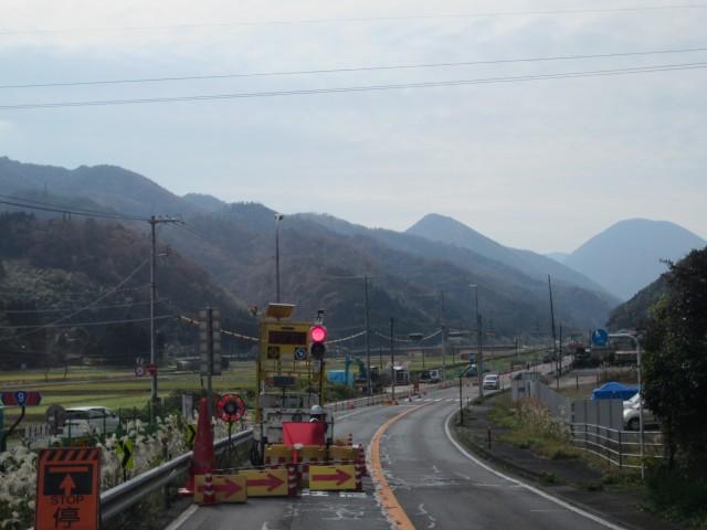 国道9号線 道路工事 片側交互通  島根県鹿足郡津和野町 コメショウ
