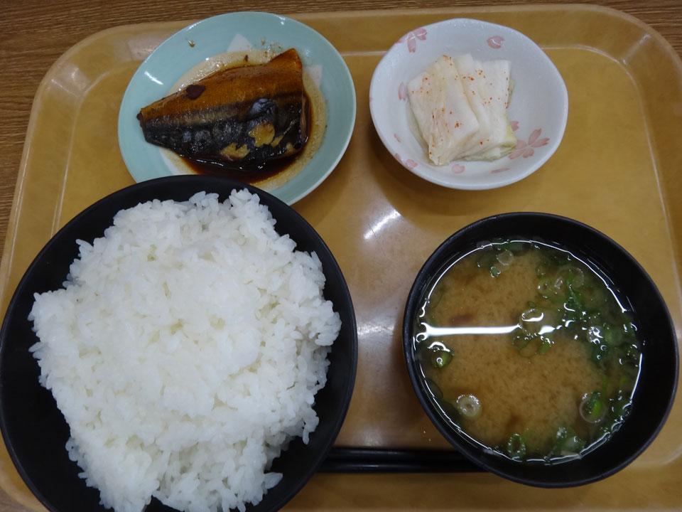 株式会社日食 今日のお昼ごはん ごはん亭はしもと 島根県松江市宍道町佐々布 国道9号線 ごはん 豚汁 鯖の煮付け 白菜の漬物