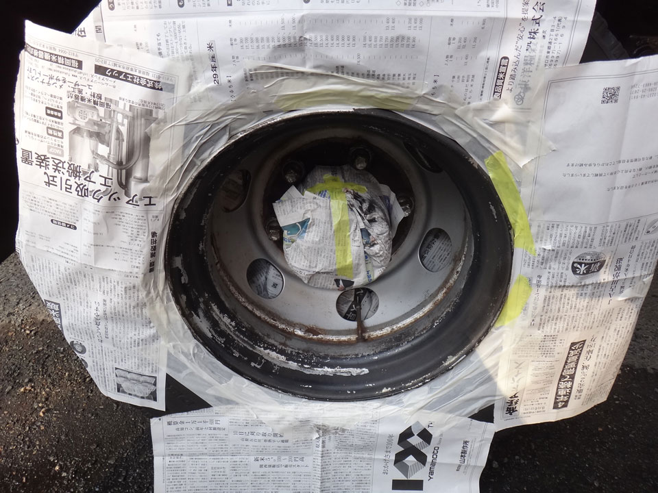 株式会社日食 トラック タイヤローテーション ホイール 色塗り 塗装 日野自動車 ライジングレンジャー