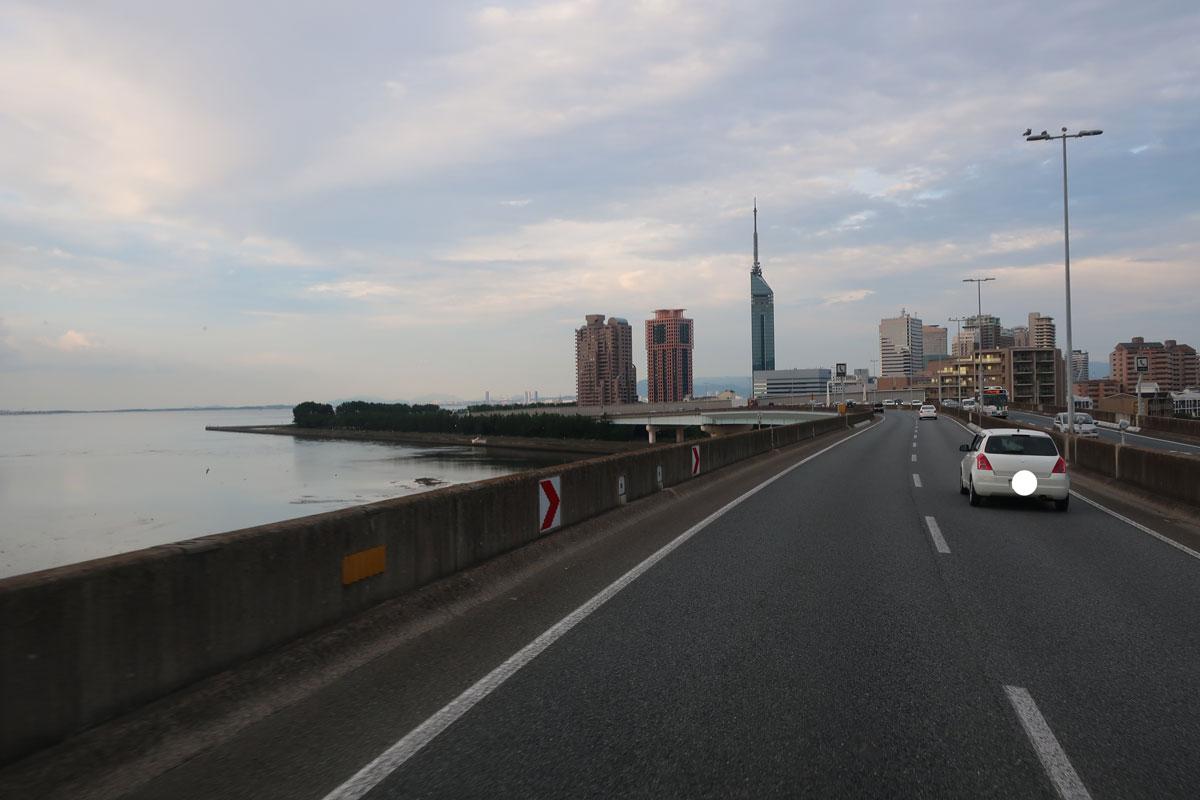 株式会社日食 福岡タワー 福岡都市高速