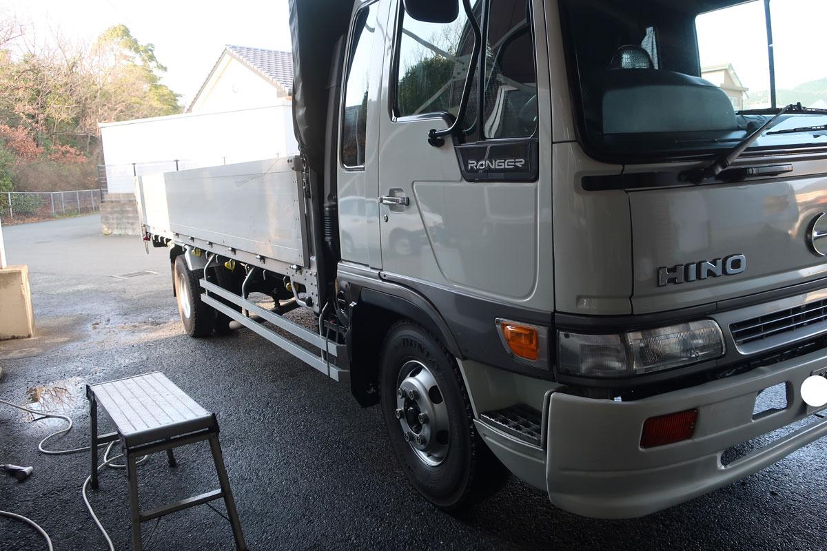 株式会社日食 洗車 トラック 日野自動車 ライジングレンジャー 凍結防止剤 塩カル コーティング