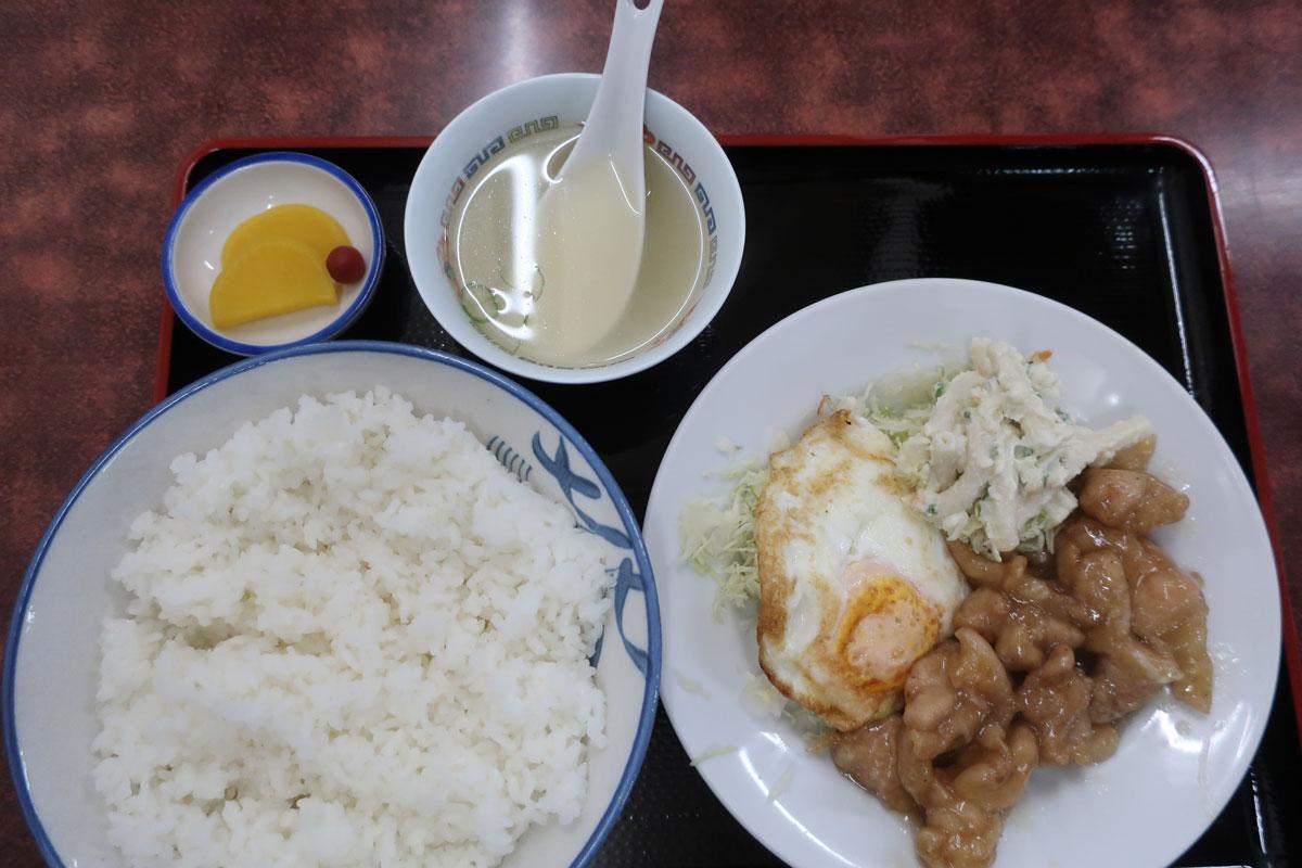 株式会社日食 今日のお昼ごはん 食堂大陽 福井県福井市志比口3丁目3−34 あっさり鳥定食