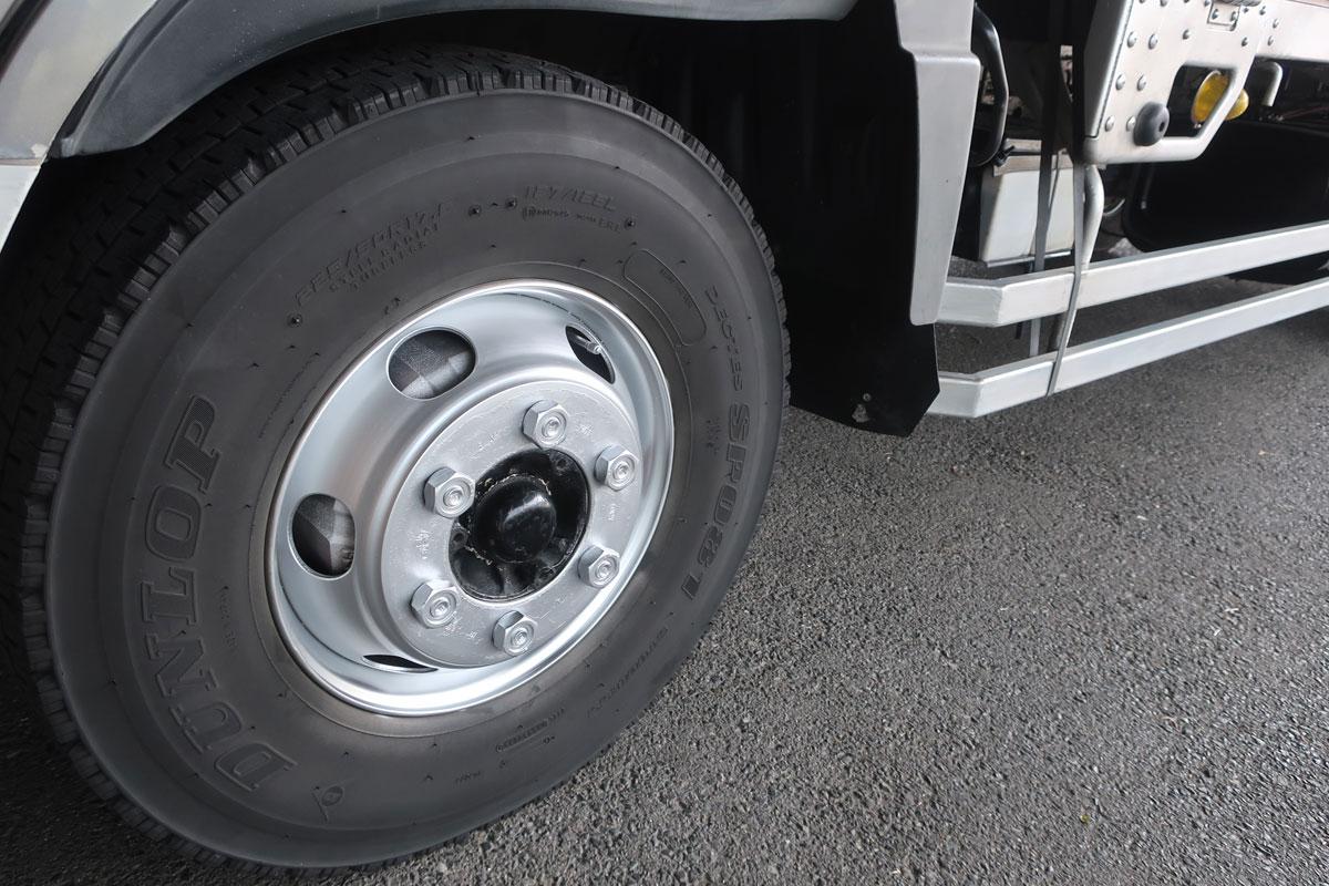 株式会社日食 タイヤローテーション トラック ホイール 左前輪 カンペハピオ ALESCO Kラッカースプレー 銀色
