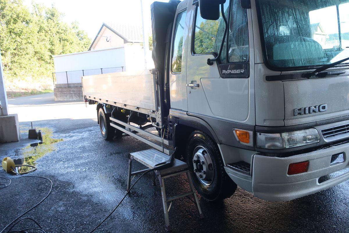 株式会社日食 日野自動車 レンジャー 洗車 ケルヒャー高圧洗浄機
